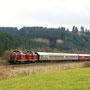 Am Nachmittag des 23.10. überführen V 100 2091 & 2299 den Wagenpark von Gerolstein über Euskirchen nach Hamm, aufgenommen bei Dahlem
