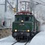 Zwischen Esslingen und Stuttgart läuft die Ellok an der Zugspitze - Foto: Dieter Becker