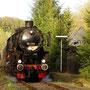 Auf der Rücküberführung nach Gerolstein durchfährt die 52 den alten Bahnhof von Hohenfels