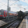 52 6106 kurz vor Abfahrt im altehrwürdigen Stuttgarter Hauptbahnhof - Foto: Tobias Grabscheit