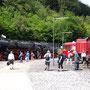 Hinter den Strahlengleisen der Drehscheibe geht es für die 52 zurück zum Bahnsteig - Foto: Georg Lochner