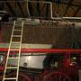 Arbeiten an der Verkleidung des Stehkessels - Lokführerseite