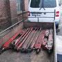Abfahrbereit steht der Transporter auf dem Hof in Krefeld