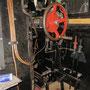 Fertig installierte Luftleitungen unterhalb des Steuerbocks