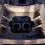 Blick auf die beiden Ausströmrohre und die vom Rost befreite Rauchkammerstütze