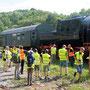 Für die Teilnehmer der Führung durch das Bahnbetriebswerk, stellte die unter Dampf stehende Maschine den Höhepunkt dar