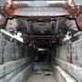 Inaugenscheinnahme des Fahrwerks von unten - Foto: Norbert Rademacher I