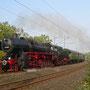 Mit dem Pendelzug nach Bochum Hbf ist 52 6106 anschließend bei Essen-Steele unterwegs - Foto: Ulrich Berensmeier