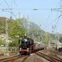 Bei schönstem Frühlingswetter erreicht der Sonderzug am Vormittag Remagen - Foto: Gerd Tierbach I