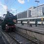 52 6106 kurz vor Abfahrt im altehrwürdigen Stuttgarter Hauptbahnhof