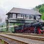 Die als 52 6106 beschriftete Lok am 31.05.1998 auf einer Sonderfahrt von Dieringhausen nach Hagen bei der Ausfahrt Brügge (Westfalen) - Foto: Thomas Lütke