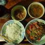 パラグアイの日本人村で自炊。ゴーヤチャンプルと納豆と味噌汁に白ごはん。