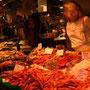 スペイン・バルセロナ・サンジュセップ市場の魚屋さん。
