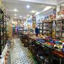Un bazar, magasin de faience