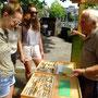 August Jung informiert über Schmetterlingszuchten aus seiner 60 jährigen Erfahrung als Enthomologe in Frankfurt, Eröffnung Frankfurter Stadtgarten