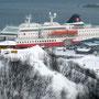 Die MS Polarlys vom Fjellveg aus gesehen.