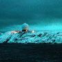 Vardø kann vom Schiff nur mit hoher ISO-Zahl fotografiert werden.