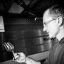 Winzer bei der Weinprobe