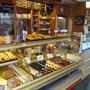 Bäckerei Weißbach Hauptgeschäft › Antonstraße 1 - Foto: © Devant Design
