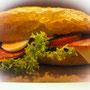 Bäckerei Weißbach › Salami-Baguette - Foto: © Devant Design
