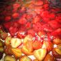 Bäckerei Weißbach › Erdbeerkuchen in der Produktion