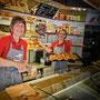 Bäckerei Weißbach Team in der Filiale › Herrenstraße 25 - Foto: © Devant Design