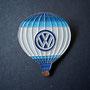 Volkswagen Ballon Pin weiß und blau lackiert