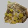 Schwefel mit Calcit (Rückseite) / Agrigento, Sizilien