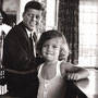 JFK et sa fille Caroline (Hyannis Port, Massachusetts - août 1960).