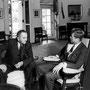 JFK et Johnson dans le Bureau ovale (Maison-Blanche).