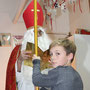 Maxi darf den Nikolausstock halten :)