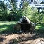 Lagerfeuerstelle am St. Giustina-See, auch auf allen Wanderwegen finden sich Lagerfeuerstellen