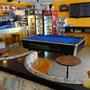 Aufenthaltsraum mit Billiardtisch