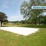 Freibad (mit Beachvolleyballplatz) direkt neben dem Campingplatz - für Camp-Gruppen ist der Eintritt frei