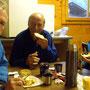 beim improvisierten Frühstück im Campin le Pelly