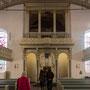 St.-Georgs-Kirche, Kirchenschiff mit Kanzelaltar