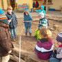Projektgruppe Wasserspielplatz- planen, vermessen, bestellen.