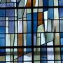 détail d'un vitrail de Jacques Bony (également créateur de vitraux à la cathédrale de St Dié 88)