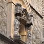 IGLESIA DE SANTA MARÍA MAGDALENA. Componen el remate dos apóstoles y una piedad. Principios del siglo XV.