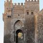 PUERTA DEL SOL. Denominación desde 1752. BAB MU´AWIYYA en el siglo X,  LA BAJA, DE LA HERRERÍA hasta 1752.