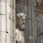 CATEDRAL. PUERTA DEL PERDÓN. Detalle de un apóstol. Escultor: Juan Alemán, 1462.