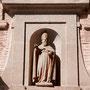 IMPERIAL MONASTERIO DE SAN CLEMENTE. Hornacina con escultura del santo titular. Fechado en 1613.