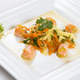 Niedrig gegarter Lachs an gelbem Karotten-Apfelsalat ©M.Schröder/CM Digital Color