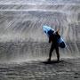砂嵐の中へ (藤沢市江の島西海岸) 熊野只雄