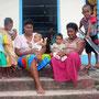 Frauen und Kinder aus Nalauwaki
