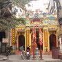 Kleiner Tempel mittendrin