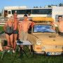 Schweden - Campingplatz bei Umea. Uschi, Karl (aus Grimma) und Mario (aus Wurzen bei Meißen). War lustig!!!!!