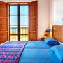 Schlafzimmer 3 mit Balkon & Meerblick | Foto: ZypernTraumVillen, Archiv