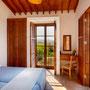 Schlafzimmer 1 mit Balkon & Meerblick | Foto: ZypernTraumVillen, Archiv