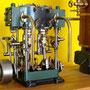 """Stuart Launch    2Zylinder Verbunddampfmaschine ähnlich der Maschine des Im Deutschen Museum München ausgestellten Fluß- und Hafen- Schleppers """"Renzo"""" ca 150 PS Bj ca 1920"""